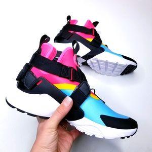 Nike Air Huarache City sneakers aqua & pink